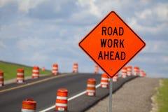 budowy odosobniony drogowego znaka biel Zdjęcie Royalty Free