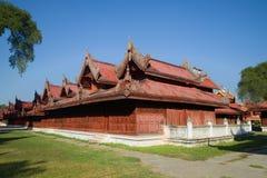Budowy pałac królewski na pogodnym popołudniu Mandalay, Myanmar Birma Zdjęcie Stock