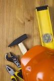 Budowy pojęcie z ciężkiego kapeluszu pracującymi narzędziami Fotografia Stock
