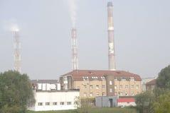 Budujący fabryki i rośliny ciemny jeden Obraz Royalty Free
