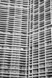 Budujący z okno na popielatym fasadowym tle w Miami, usa obrazy stock