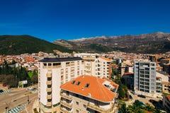 Budva, Черногория, взгляд от многоэтажного здания в c Стоковые Фото