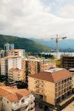 Budva, Черногория, взгляд от многоэтажного здания в c Стоковые Изображения