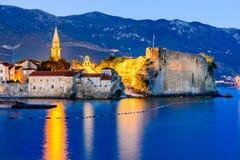 Budva, Montenegro - Festung in der Dämmerung Lizenzfreies Stockbild