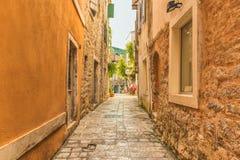 Budva Montenegro, Sierpień, - 22, 2017: Stary Grodzki Uliczny Budva, Montenegro Obrazy Royalty Free