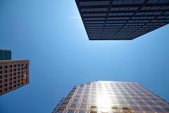 Budynek biurowy na nieba tle Fotografia Stock