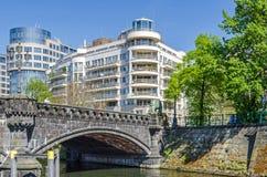 Budynek biurowy Spreebogen i Moabiter most w Berlin Zdjęcia Stock