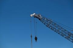 Budynek budowy żuraw przeciw niebieskiemu niebu w Auckland, Nowy Ze Obrazy Stock
