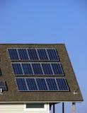 budynek energii zielone panel słoneczny oszczędności na dachu Zdjęcie Stock