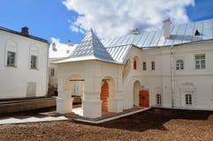Budynek mieszkalny przeor świętego Anthony monaster w Veliky Novgorod, Rosja obrazy royalty free
