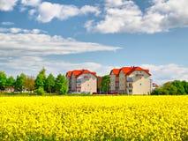 budynek mieszkaniowy wiosna Obrazy Stock