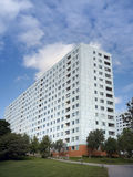 Budynek mieszkaniowy z balkonami Zdjęcie Stock
