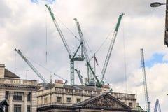 Budynków żurawie - symbol Londyński miasto Zdjęcie Stock