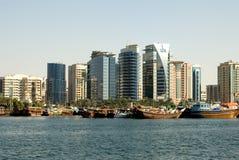 budynków Dubai nowożytny zlany obrazy royalty free