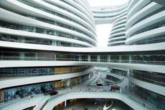 budynków mieszkaniowy porcelanowi Dalian elektryczności grupy pilony Fotografia Stock