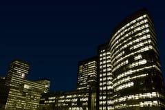 budynków noc biuro Obrazy Royalty Free