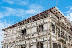 Budynki budują z rusztowaniem Fotografia Royalty Free