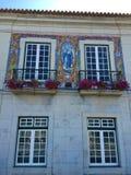 Budynki Cascais - kurortu nadmorskiego miasteczko w Portugalia obrazy stock