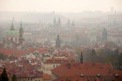 Budynki Praga w Ranek Mgle Obrazy Royalty Free