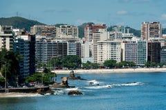 Budynki przed Icarai plażą fotografia royalty free