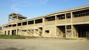 Budynki starzy łamający i porzucający przemysły w mieście Banja Luka - 13 Obrazy Royalty Free