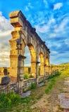 Budynki volubilis i łuki znają w Romańskiej i Greckiej cywilizacji fotografia stock