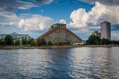 Budynki w Cambridge i Charles rzece, widzieć od Boston U Zdjęcie Stock