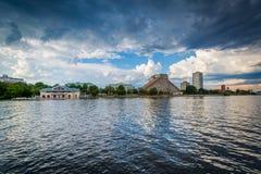 Budynki w Cambridge i Charles rzece, widzieć od Boston U Zdjęcie Royalty Free