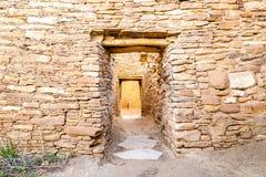 Budynki w Chaco kultury Krajowym Dziejowym parku, NM, usa Zdjęcie Royalty Free
