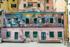 Budynki w Manarola miasteczku, Cinque Terre, Włochy fotografia stock