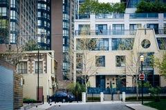 Budynki wzdłuż Granby ulicy blisko Ryerson uniwersyteta w downt, fotografia stock