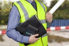 Budynku geodeta w vis przewożenia pracy falcówkach i kalkulator cześć Obraz Stock