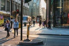budynku królestwa London stary wierza zlany Victoria ludzie ulic odprowadzeń editorial obrazy stock