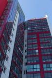 budynku mieszkaniowy nowy nowożytny Multistoried, nowożytny, nowy i elegancki żywy blok mieszkalny mieszkań nieruchomości domów p Fotografia Stock