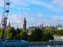 budynku pejzaż miejski wybrzeża krajobrazu London nowożytna rzeka pokazywać Thames Zdjęcia Royalty Free