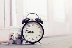 Budzika copyspace lewica dla teksta, ideał dla pojęcia pomiarowy przelotny czas, ostateczni terminy i czasu zarządzanie, Zdjęcie Stock