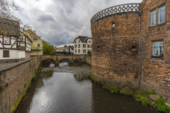 Buedingen,德国- 2016年11月06日:中世纪镇Buedingen的街道视图 免版税图库摄影