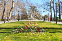 Buen Park flowers and fountain closer Royalty Free Stock Photos