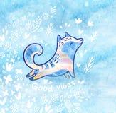 Buena tarjeta de los ambientes con fllowers y zorro polar blanco en estilo de la historieta Fondo decorativo azul Imágenes de archivo libres de regalías