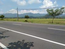 Buena visión rural con una calle fotografía de archivo libre de regalías