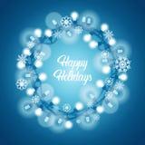 Buenas fiestas el venir brillante de Garland On Blue Winter Is de los copos de nieve del fondo stock de ilustración