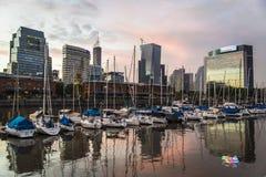 buenos Аргентины aires строя городской пейзаж фокусируют puerto madero стоковая фотография