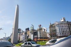 Buenos Aires, Argentina - 9 aprile 2015: Ingorgo stradale 9 de Julio fotografia stock libera da diritti