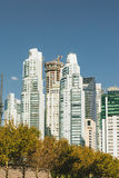 BUENOS AIRES ARGENTINA - MAYO 09, 2017: Skyskrapor modern hig Royaltyfri Fotografi