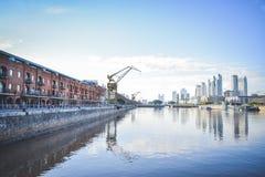 BUENOS AIRES - ARGENTINA: Puerto Madero Arkivfoto