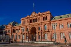 BUENOS AIRES ARGENTYNA, MAJ, - 02, 2016: główne wejście rządowy pałac w Argentina z flaga Obrazy Stock