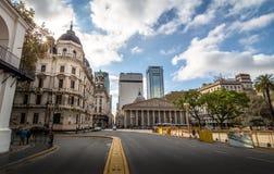 Buenos Aires céntrico y catedral metropolitana - Buenos Aires, la Argentina foto de archivo libre de regalías