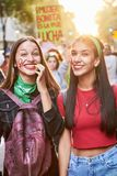 Buenos Aires, C A B A , Argentyna, Marzec - 8, 2019: 8M protestacyjne kobiety fotografia royalty free