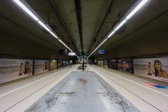 BUENOS AIRES JANUARI 20, 2016 - station för PlazaItalia gångtunnel Arkivfoton