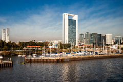 Buenos Aires von Rio de la Plata, Argentinien stockbilder